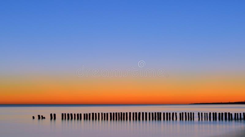L'aube la mer photo libre de droits