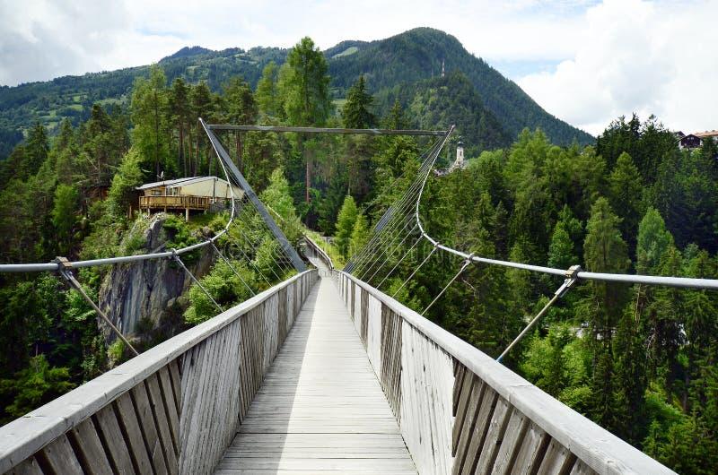 L'Austria, Tirolo, ponte fotografie stock