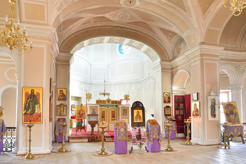 L'autel de la chapelle de la trinité sainte dans le palais de Gatchina photo stock