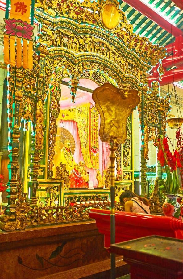 L'autel du temple de Guanyin Gumiao de Chinois, Yangon, Myanmar images stock