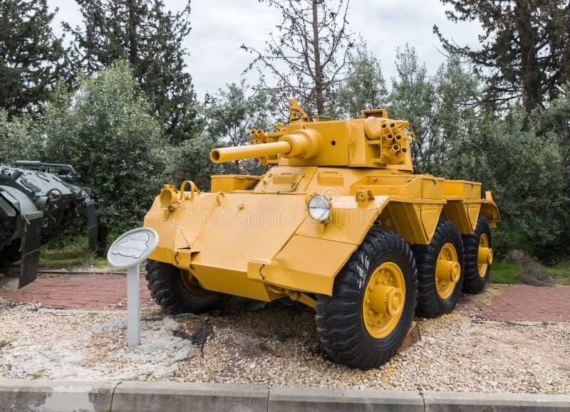 L'autoblindata britannica di FV601 Saladino si trova sul cantiere commemorativo vicino al museo corazzato del corpo in Latrun, Is immagini stock libere da diritti
