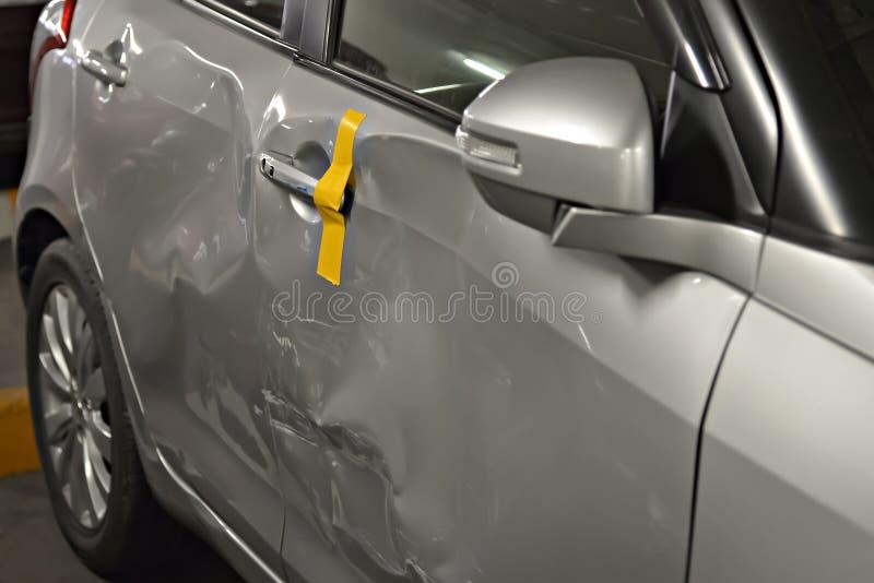 L'automobile ha ammaccata fotografia stock libera da diritti