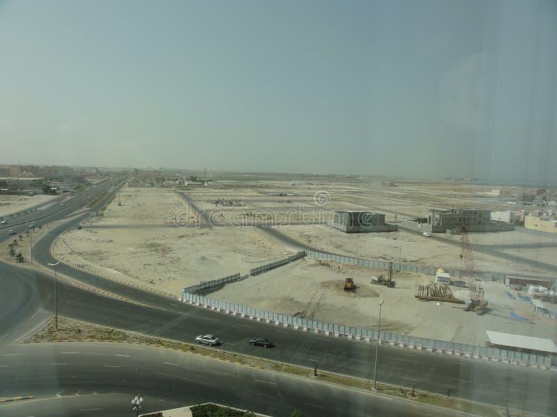 L'autostrada senza pedaggio di Medio Oriente nel deserto fotografia stock libera da diritti