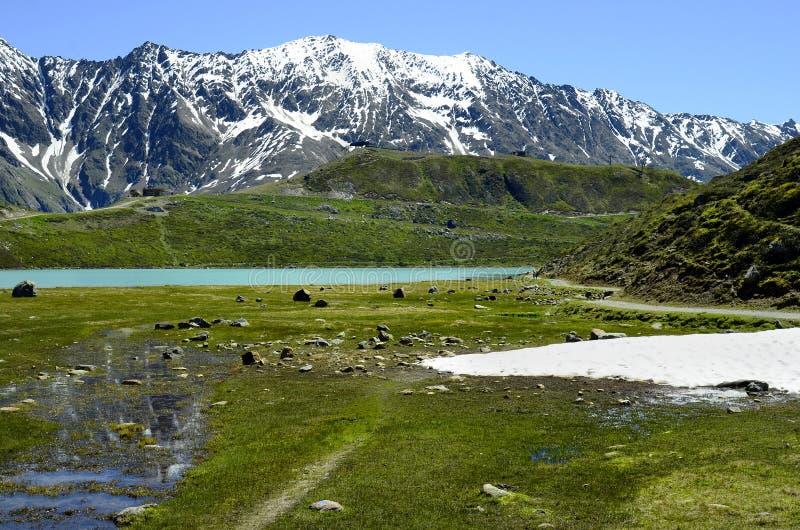 Download L'Autriche, Tyrol, Alpes photo stock. Image du neige - 76081654