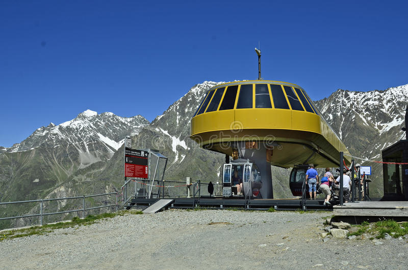 Download L'Autriche, Tyrol, Station De Funiculaire Image éditorial - Image du transport, alpes: 76082860