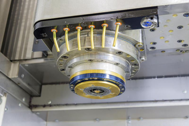 L'axe de la machine de commande numérique par ordinateur image libre de droits