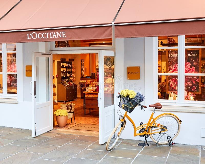 L' ; Boutique d'Occitane dans le village de Vallee de La photographie stock