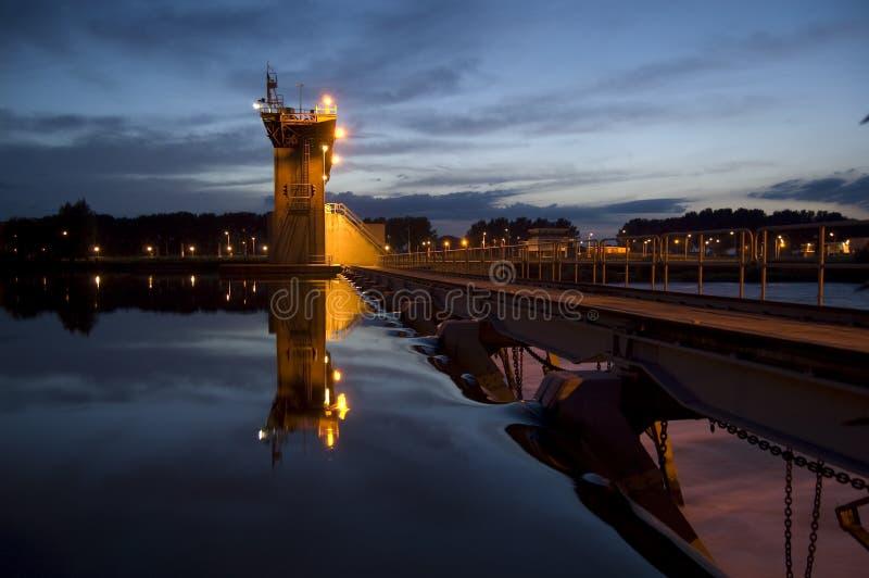 l'eau circulante de barrage photo libre de droits