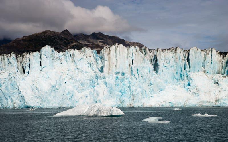 L'eau de baie d'icebergs de parc national de fjords de Kenai de glacier de l'Alaska photos libres de droits