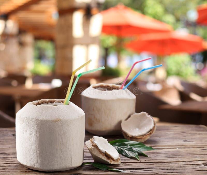 L'eau de noix de coco images stock