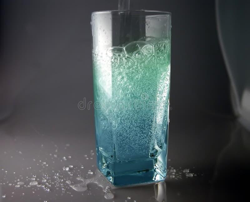 L'eau de pétillement photographie stock libre de droits