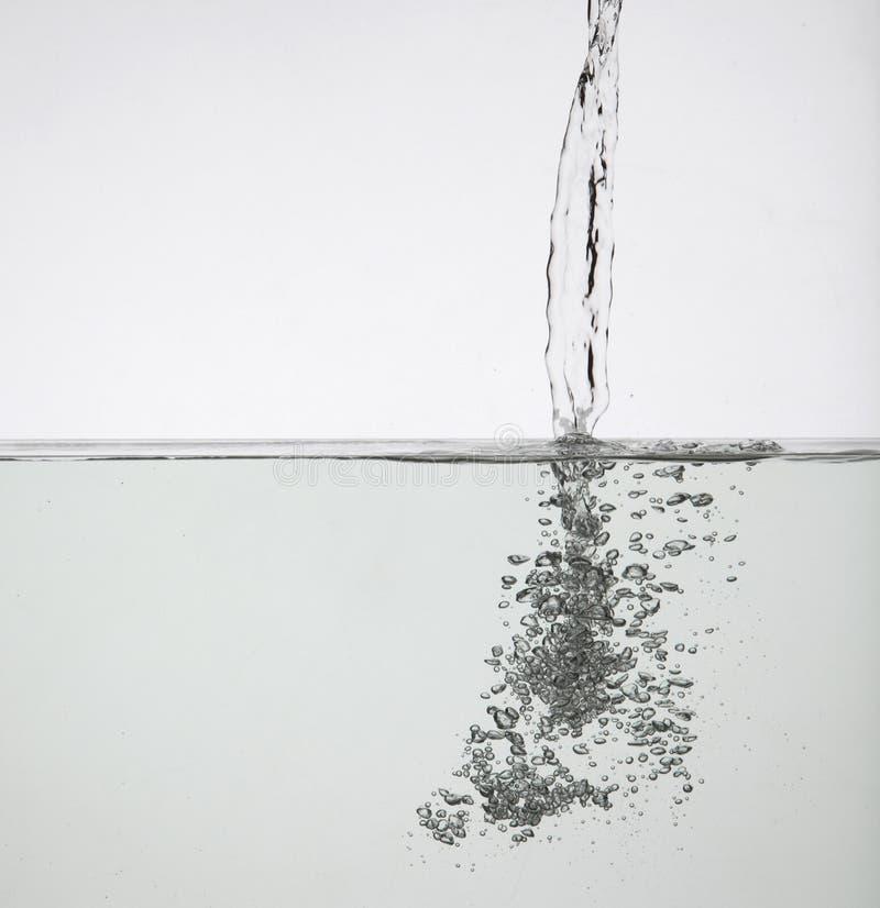 L'eau pleuvante à torrents images libres de droits