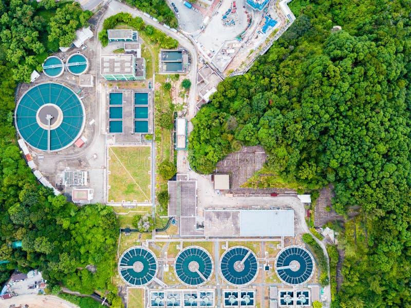 L'eau réutilisant dans la grande station d'épuration photographie stock libre de droits