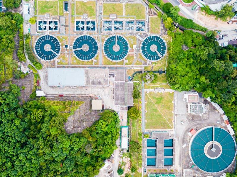 L'eau réutilisant dans la grande station d'épuration photos libres de droits