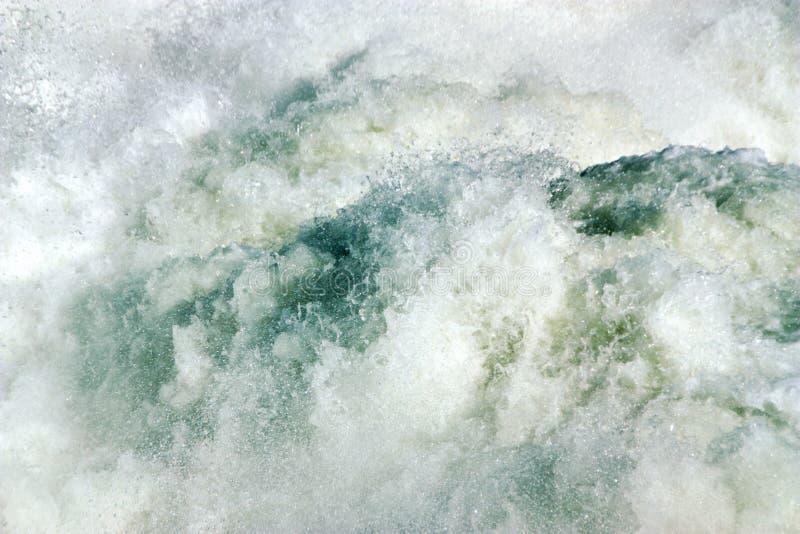 L'eau sauvage et sauvage photo stock