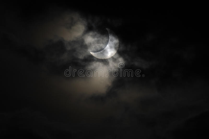 L'eclipse solare del 4 gennaio 2011 immagine stock