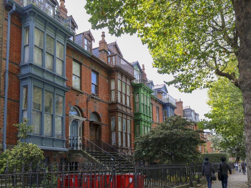 L'edificio residenziale è stile tipico di Dublino l'irlanda fotografia stock libera da diritti