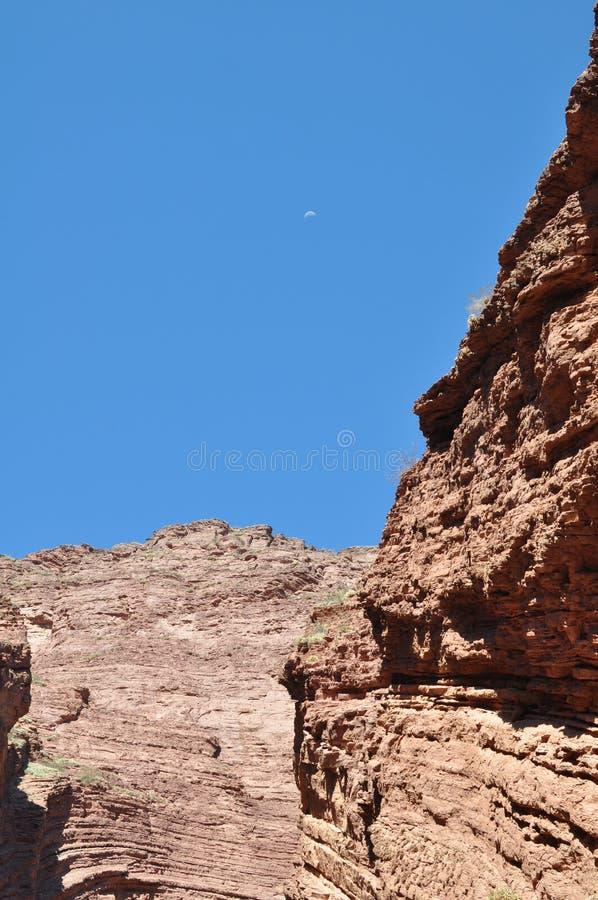 L'EL Anfiteatro l'amphithéâtre est une formation de roche chez Quebrada de las Conchas dans la région de Cafayate, province de Sa photographie stock libre de droits