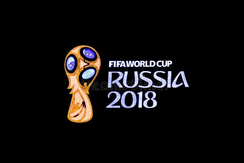 L'emblème de la coupe du monde de la FIFA pendant l'année de la Russie en 2018 sur le dessus du bâtiment photographie stock libre de droits