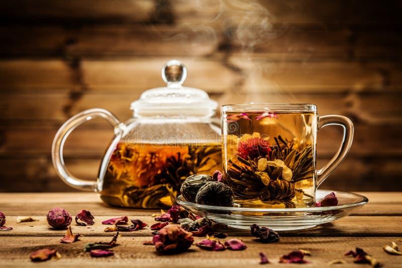 L'encore-vie de thé photo stock