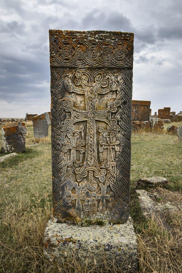 L'endroit célèbre en Arménie avec le monument traditionnel Kchachkar photos libres de droits