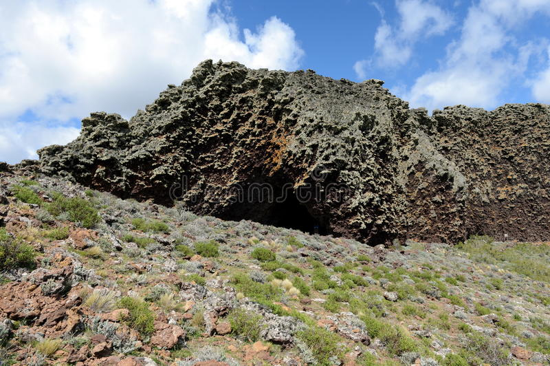 L'endroit habité par les tribus indiennes antiques en parc national Pali Aike image stock