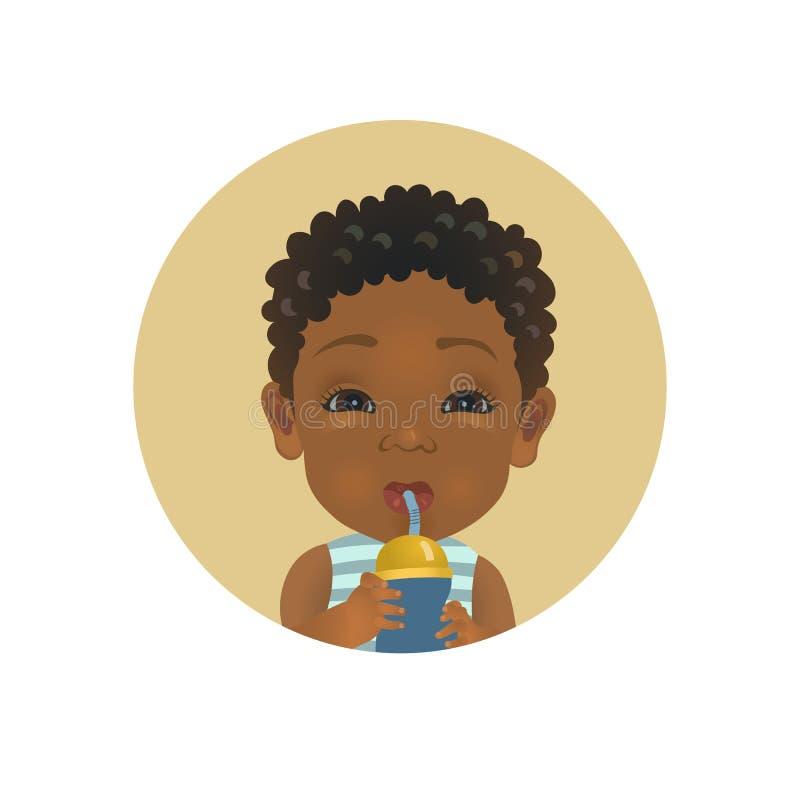 L'enfant afro-américain mignon avec la bouteille de lait a satisfait l'expression du visage Avatar à la peau foncée africain pota illustration de vecteur