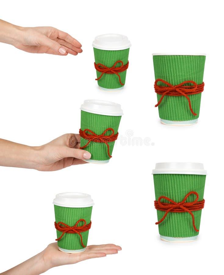 l'ensemble de différent sortent le café dans la tasse thermo avec la main D'isolement sur un fond blanc Récipient jetable, boisso photos libres de droits