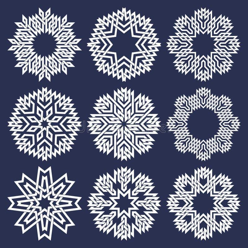 L'ensemble de huit a dirigé les modèles circulaires dans les lignes style de intersection orientales Neuf mandalas blancs en floc illustration libre de droits