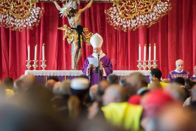L'enterrement s'est tenu pour les victimes du pont de Morandi, Gênes images stock