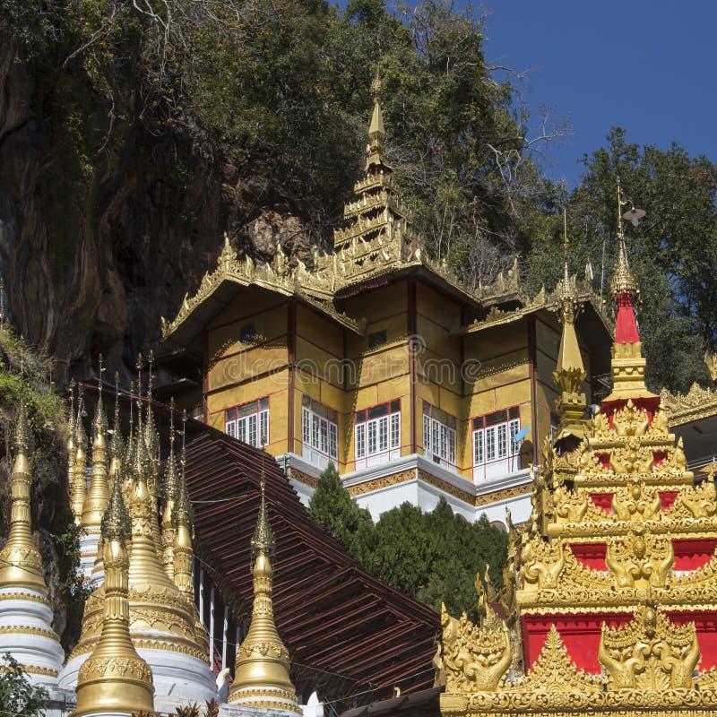 Temples à la caverne de Pindaya - Myanmar photo libre de droits