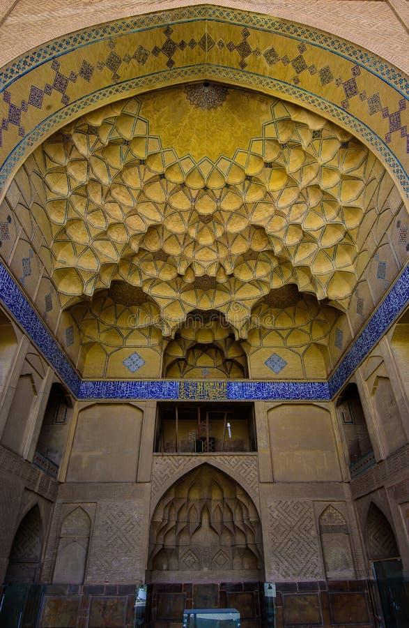 L'entrée de la mosquée de Jameh dans Irsfahan, Iran photos libres de droits