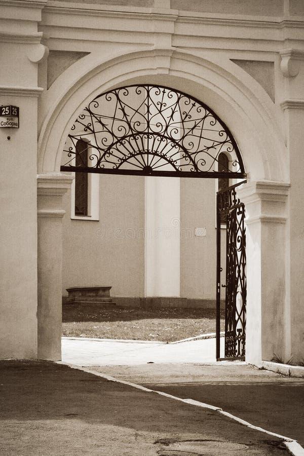 L'entrata alla cattedrale del presupposto immagine stock libera da diritti