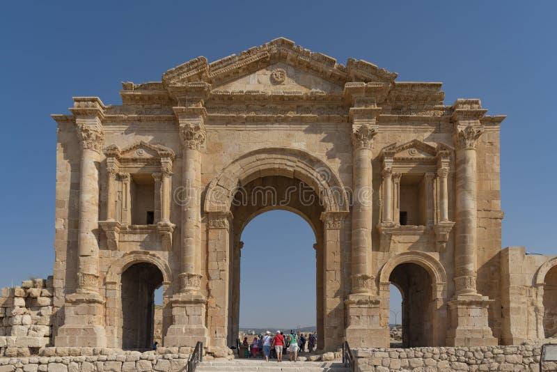 L'entrata alla città antica di Jerash ha individuato vicino ad Amman Giordania È stato fondato BC da Alessandro Magno nel IV seco fotografie stock