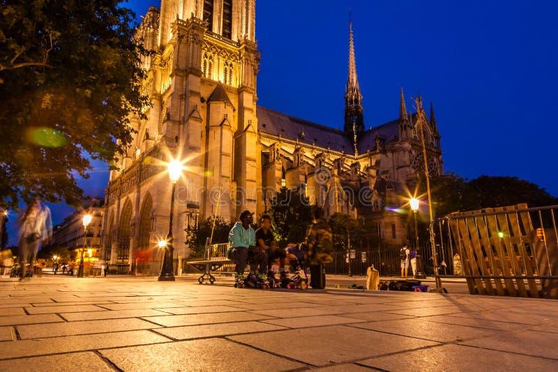 L'entrata anteriore della cattedrale di Notre Dame immagini stock