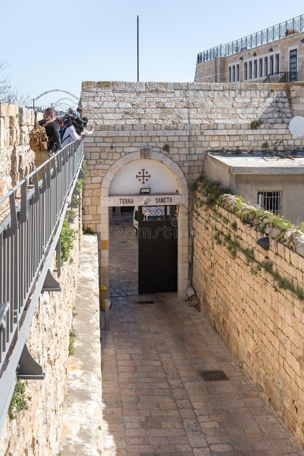 L'entrata a Custodia De Terra Santa vicino al nuovo portone in vecchia città di Gerusalemme, Israele fotografia stock