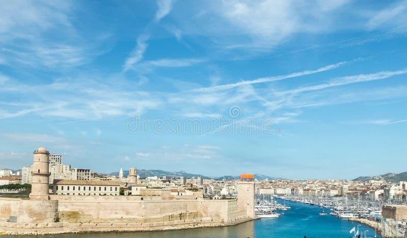 L'entrata del vecchio porto, Marsiglia, a sud della Francia immagine stock libera da diritti