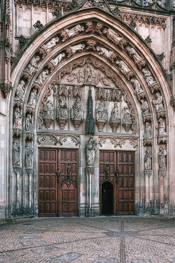 L'entrata della famosa cattedrale Sintjans di Den Bosch nei Paesi Bassi fotografia stock libera da diritti