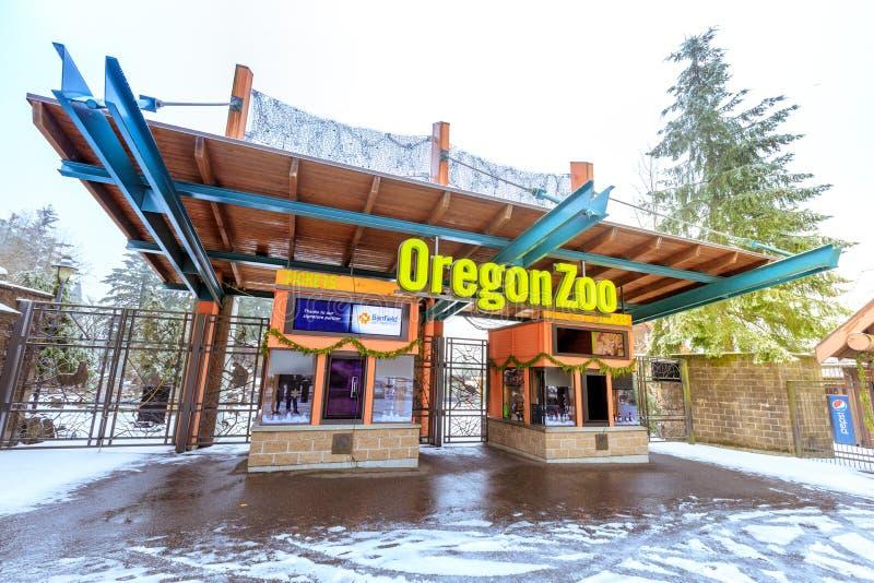 L'entrata dello zoo dell'Oregon nella stazione di Washington Park all'inverno fotografia stock libera da diritti