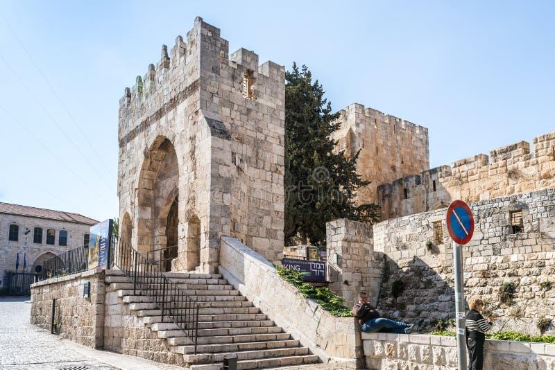 L'entrata principale alla torre di David vicino al portone di Giaffa nella vecchia città di Gerusalemme, Israele fotografie stock libere da diritti