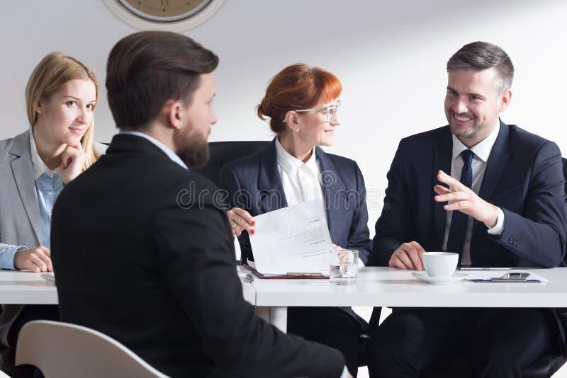 L'entrevue d'emploi peut être drôle photo stock