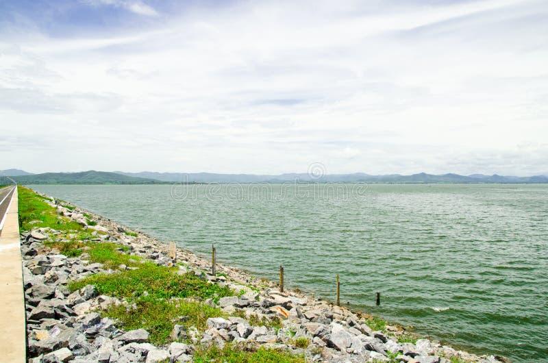 L'enveloppement du barrage de danchang image stock
