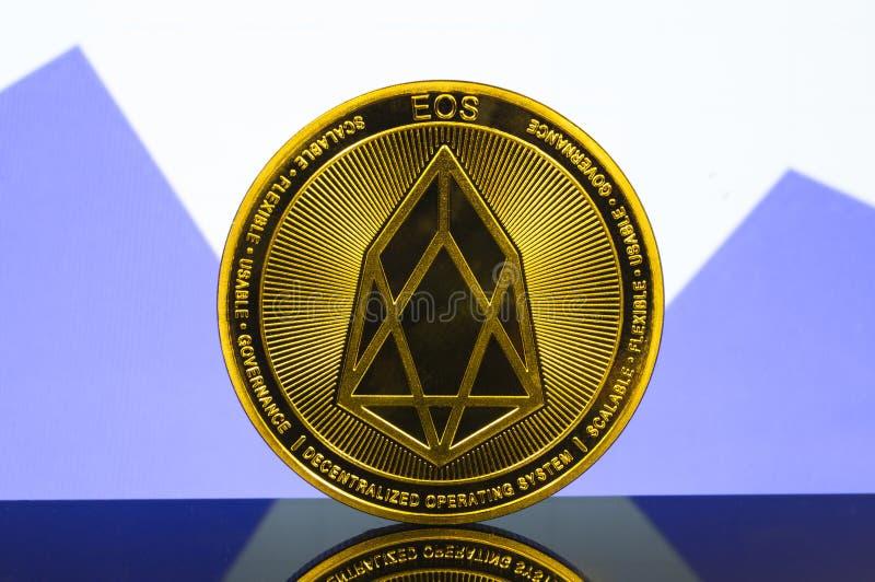 L'EOS è un modo moderno dello scambio e di questa valuta cripto immagini stock libere da diritti