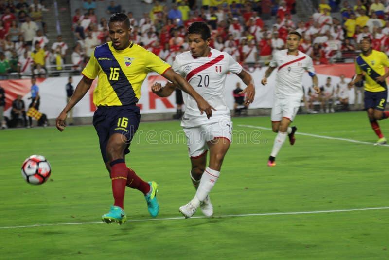 L'Equateur contre le Pérou photo stock