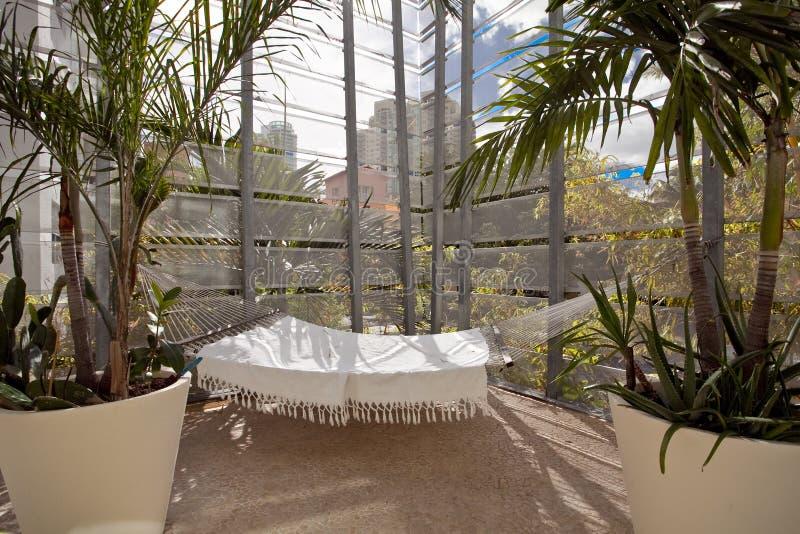 L'espace extérieur de conception de patio images stock