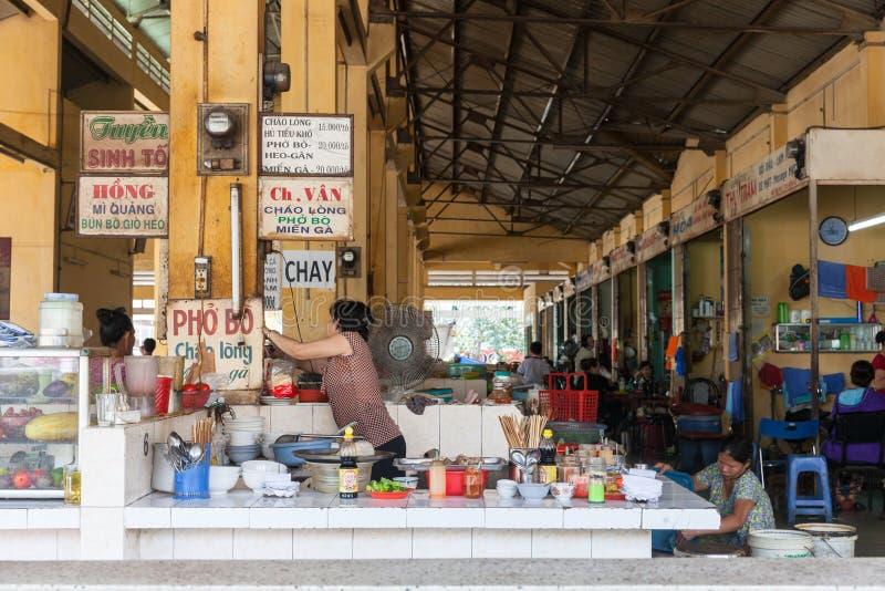 L'espace restauration vietnamien de style images stock