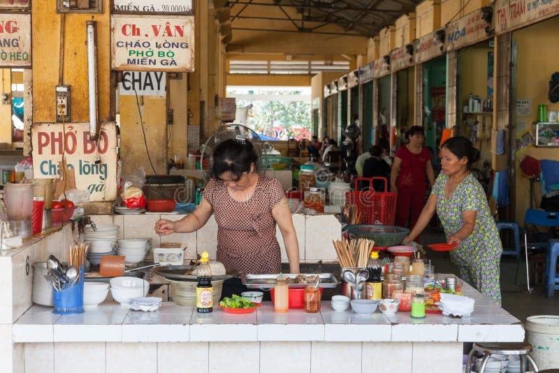 L'espace restauration vietnamien de style images libres de droits