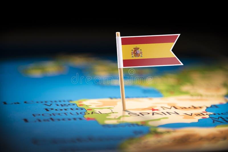 L'Espagne a identifié par un drapeau sur la carte photos stock