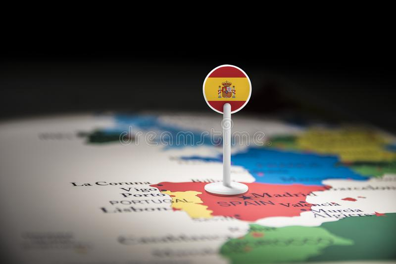 L'Espagne a identifié par un drapeau sur la carte photo stock