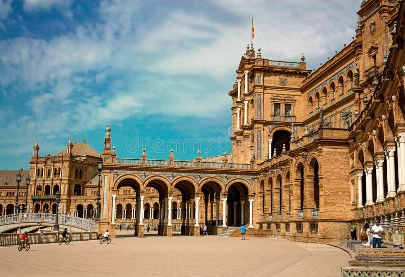 l'Espagne, Séville La place a de l'Espagne est un exemple de point de repère du style de renaissance de la Renaissance en Espagne photos libres de droits